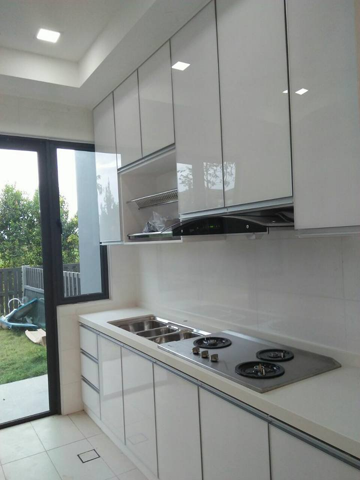 Beraya bersama kabinet dapur baru oil gas equipment for Kitchen set hitam putih