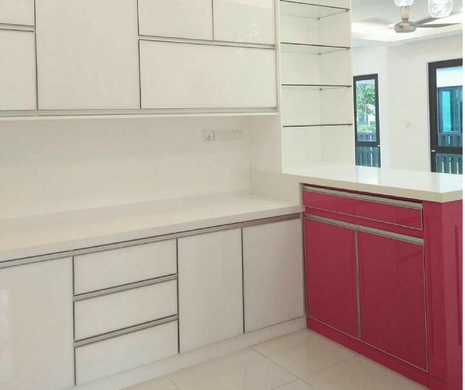 Ruang Dapur Yang Kemas Dan Bersih Membuatkan Para Ibu Isteri Lebih Bersemangat Untuk Menyediakan Hidangan Makanan Buat Keluarga